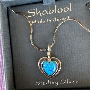 Beautiful new in box necklace